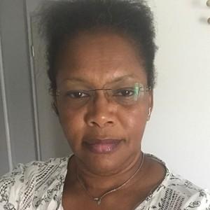 Femme coquine brune de 55ans